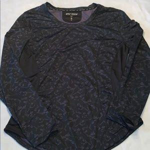 Betsey Johnson performance athletic shirt XL